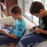 10 הסיכונים העיקריים  לילדים בשימוש במסכים
