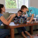 טיפ מדליק לחיזוק הקשר בין אחים ואחיות מבית לחישות לילה להעצמת ילדים